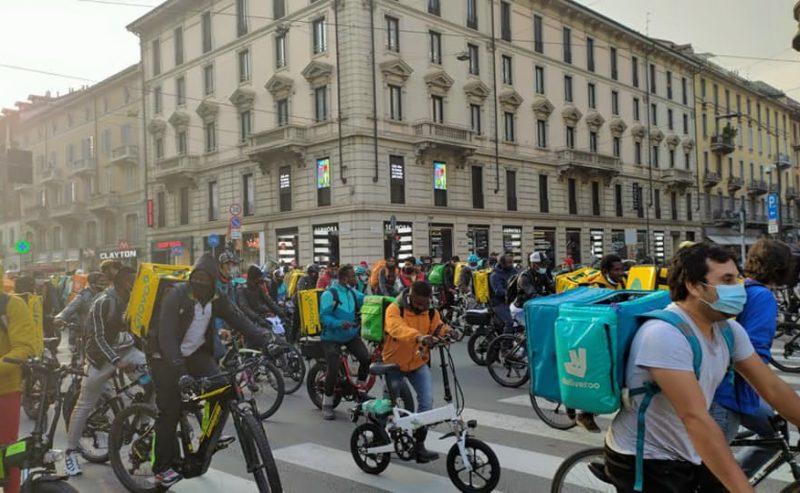 Riders, a Milano è sciopero continuo. Intanto la logistica vara un protocollo