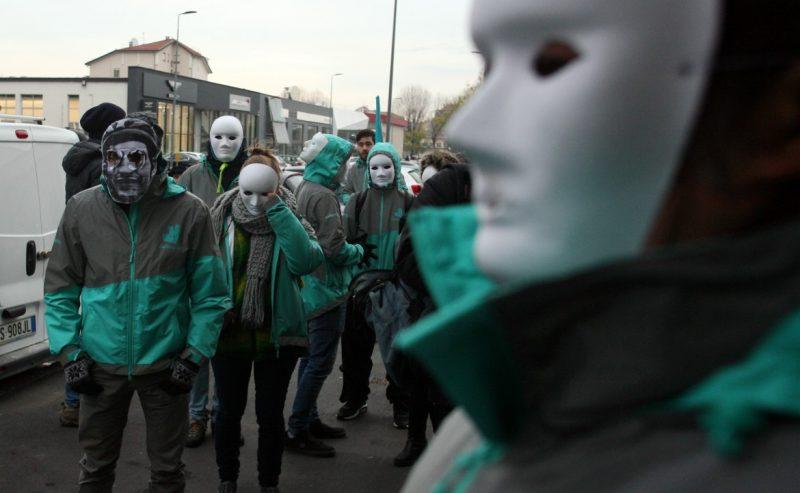 L'algoritmo Deliveroo discrimina i rider che vogliono scioperare