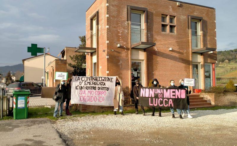 NUDM Lucca – Sit-in davanti alla farmacia che si rifiuta di dare la pillola del giorno dopo