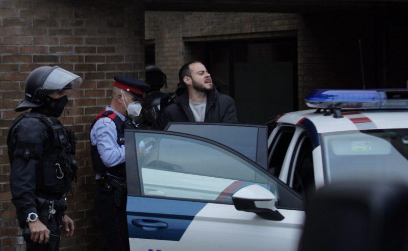 Chiuse le urne, i Mossos irrompono nel Rettorato per arrestare Pablo Hasél
