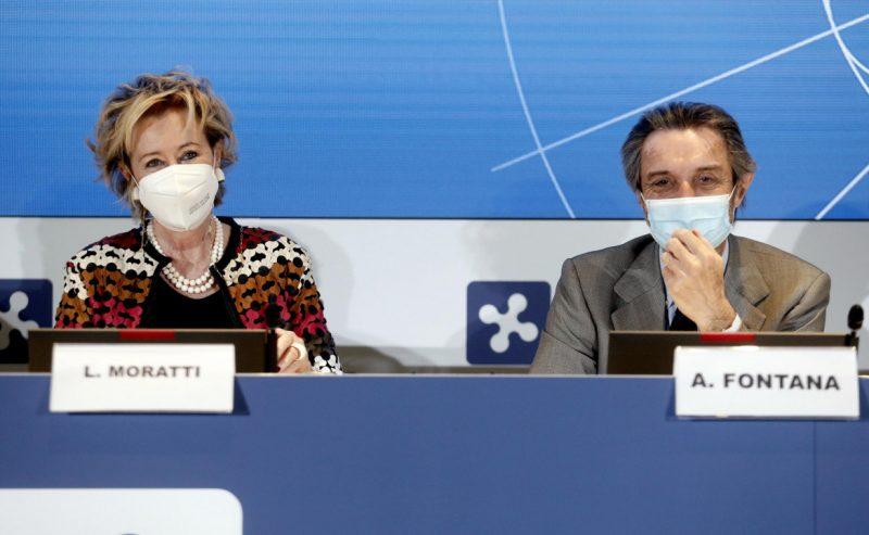 Caos vaccini, ma la Lombardia fa l'accordo con Confindustria