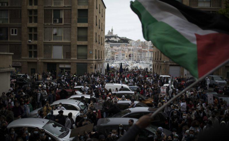 Nuove proteste, appelli alla Rai e raccolte fondi per Gaza