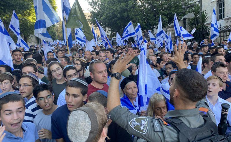 A Gerusalemme la destra in corteo: «Morte agli arabi»