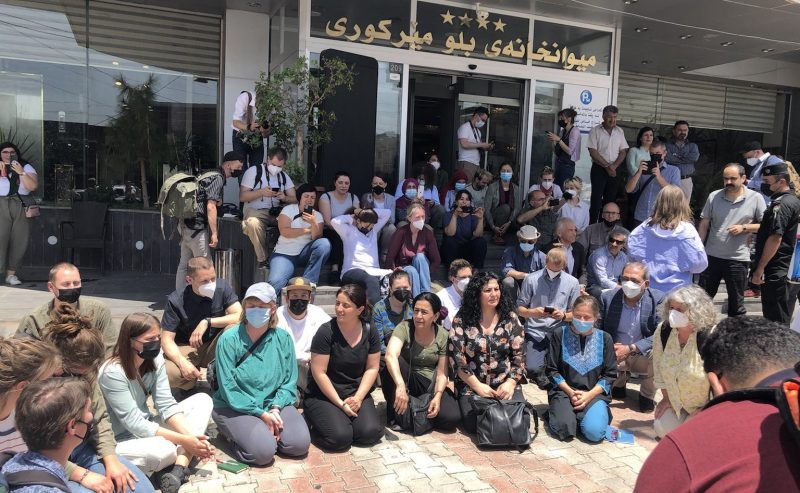 30 attivisti europei detenuti a Erbil, un centinaio bloccati in Europa