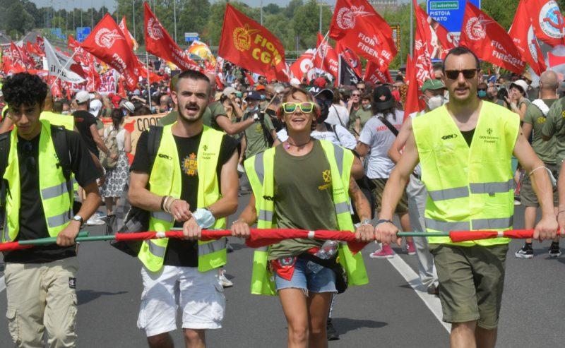 Il mese più lungo di Gkn. E oggi la lotta operaia torna in piazza