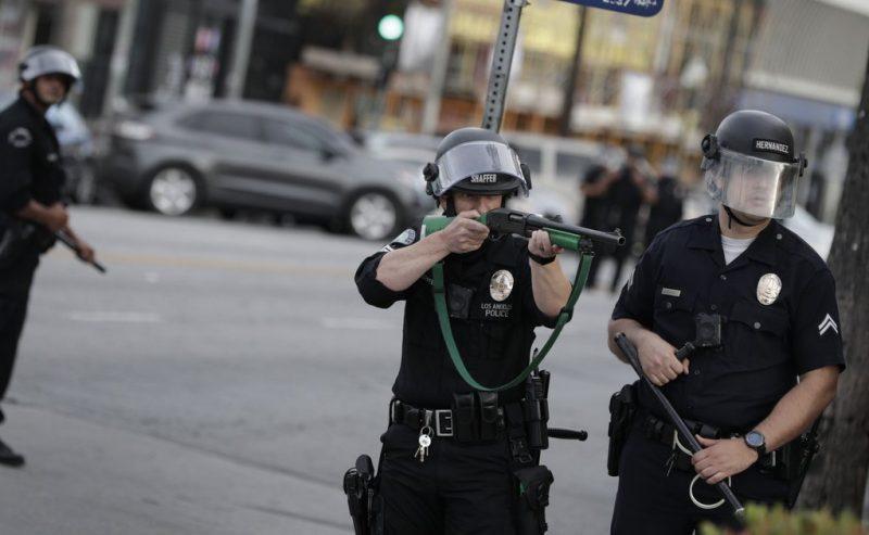 Proiettili di gomma, divieto di manifestare: come i sindacati di Polizia vogliono chiudere la bocca ai NoTav